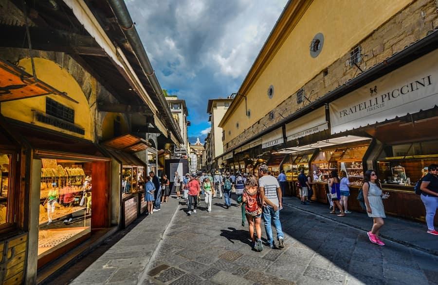 Le 5 vie dello shopping a Firenze